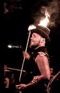 Gora Vuurhoed brandende hoed